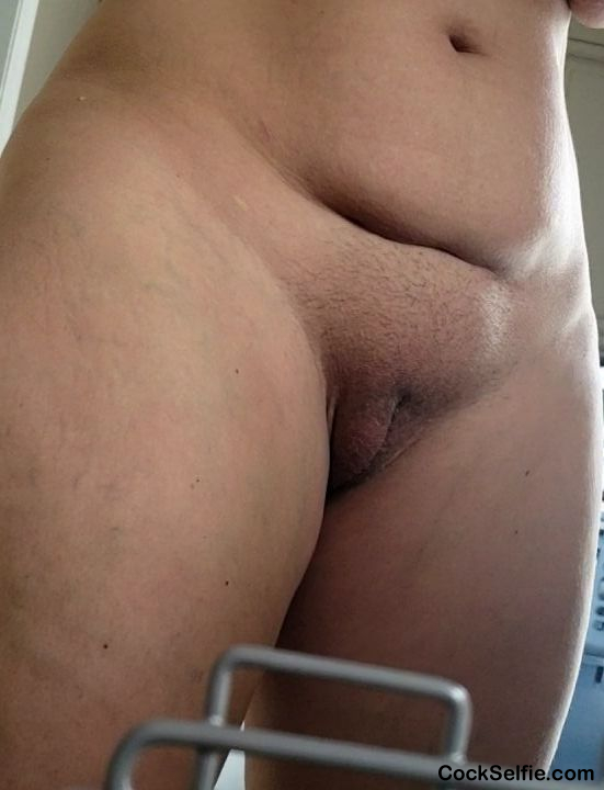 pussy needs a shave - Cock Selfie