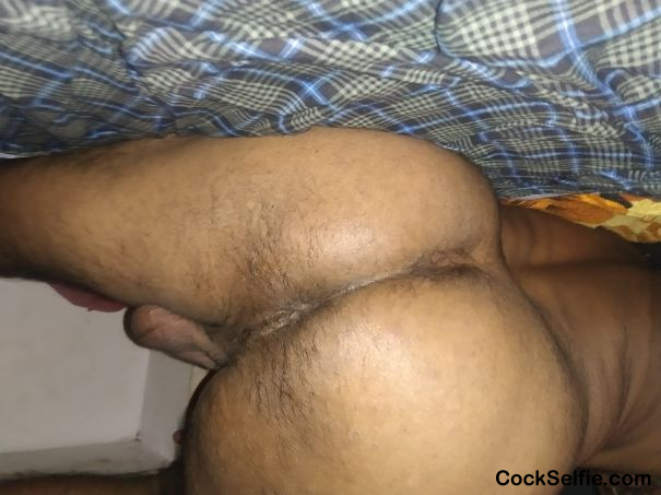 Ads hole & Tusties - Cock Selfie